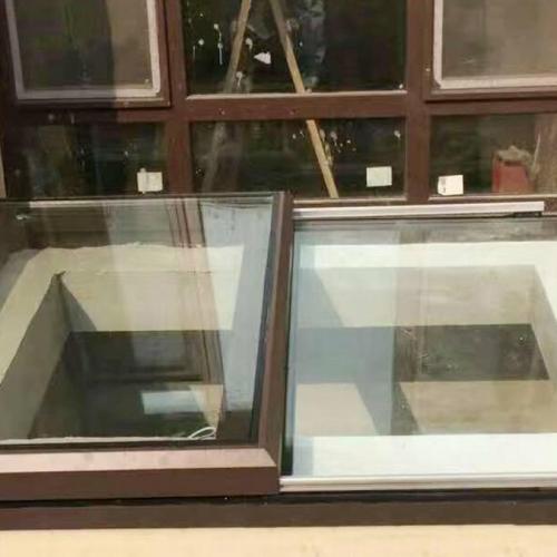小型电动平移天窗